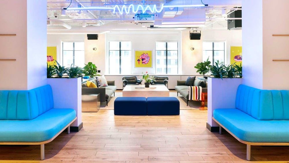 Web 150DPI-20181020-WeWork-920-SW-6th-Avenue-Common-Areas-Couch-Area-9 v1