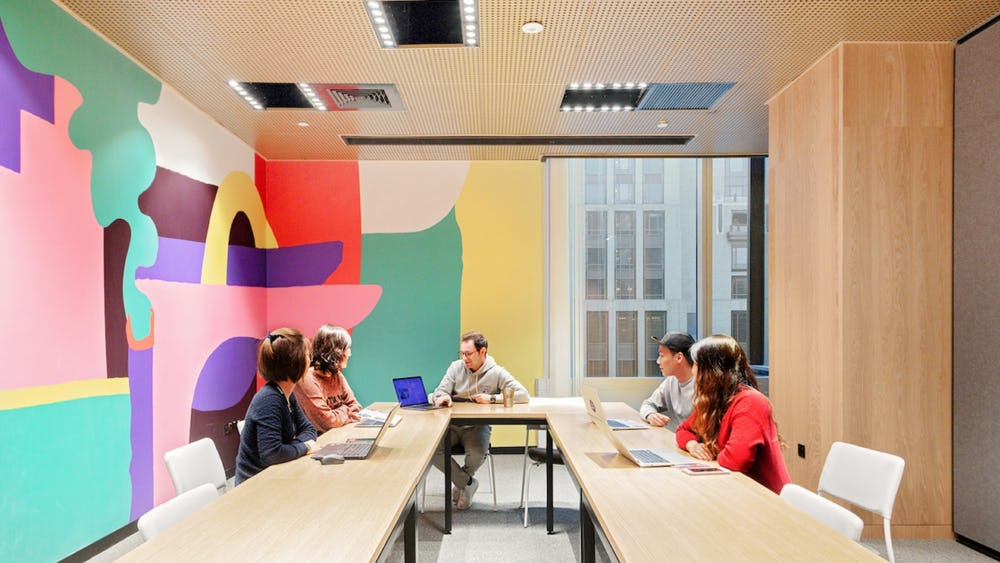 10 conference rooms for every type of meeting